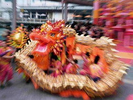 香港庆春节金龙献瑞醒狮贺岁