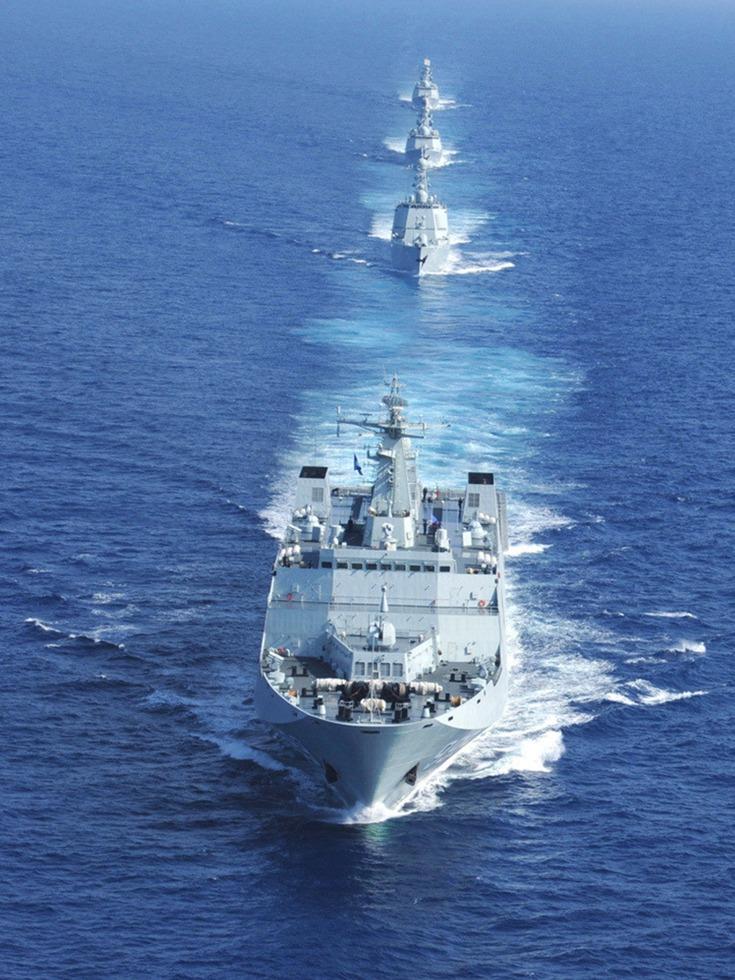解放军2万吨级登陆巨舰紧急奔赴南海 - 纽约文摘 - 纽约文摘