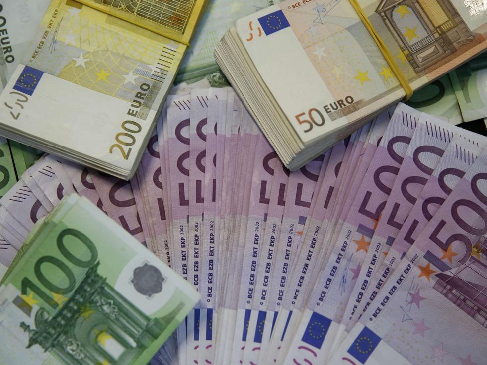 转帖:德国人纷纷在家藏钱 对当前经济没有信心 - baigu0 - 诗画雨山