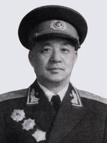 毛泽东要官降三级<br>先斩许世友 打你40军棍